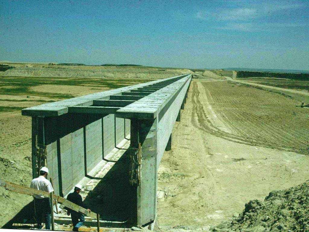 Acueductos en el Canal de Sástago - José Antonio Llombart