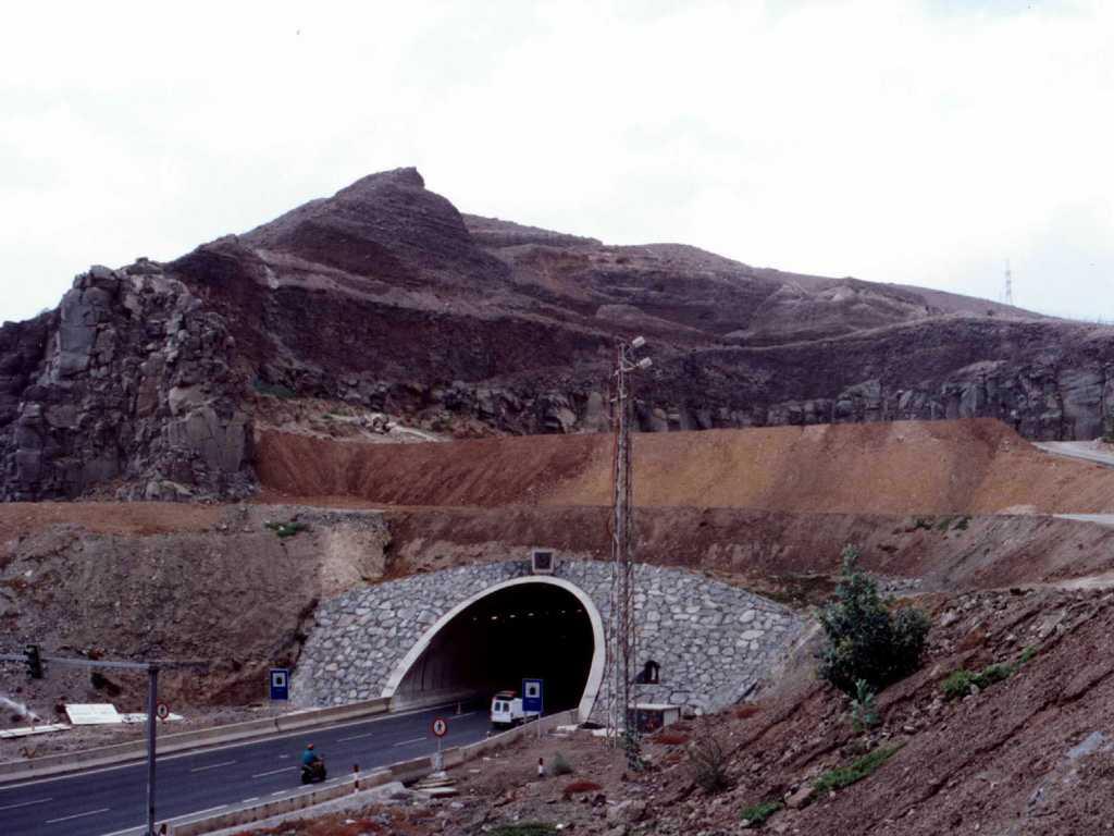Túnel de la Laja. Estructuras para túneles artificiales - José Antonio Llombart