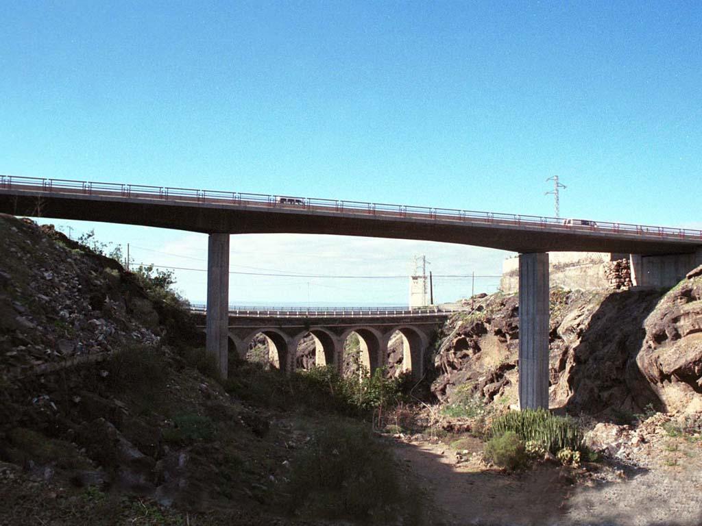 Puente en el Barranco de Taucho (Tenerife) - José Antonio Llombart