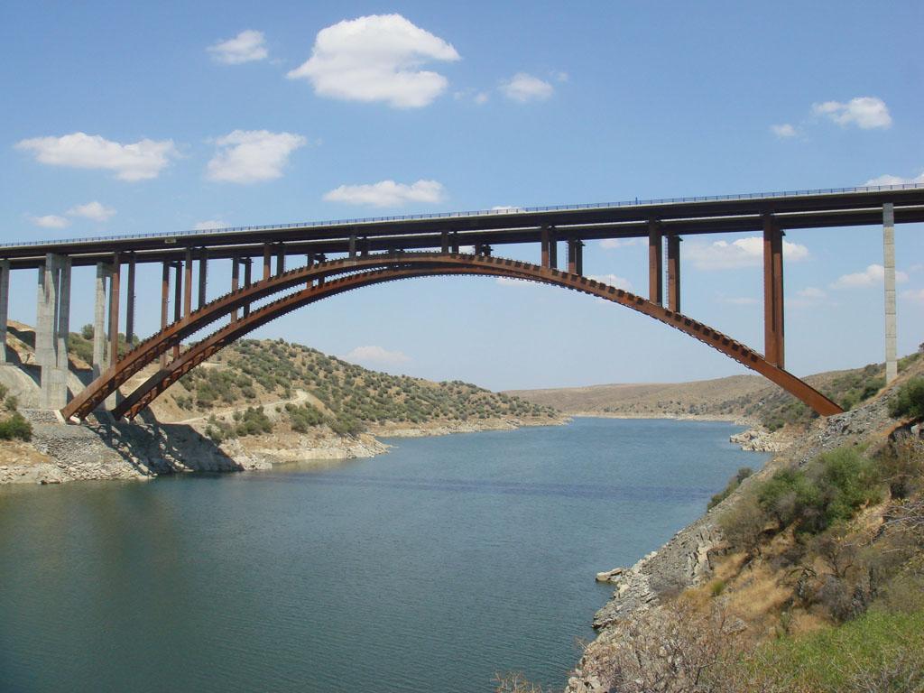 Puente Arcos de Alconétar, en el Embalse de Alcántara - José Antonio Llombart