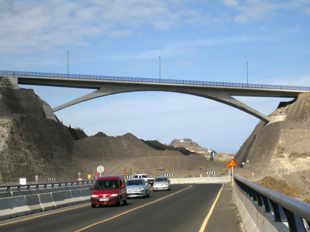 Paso Superior. Circunvalación de Las Palmas - José Antonio Llombart