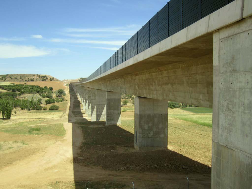 Viaducto Arroyo Pitanza (Línea de Alta Velocidad Madrid - Galicia. Tramo: Olmedo Zamora) - José Antonio Llombart